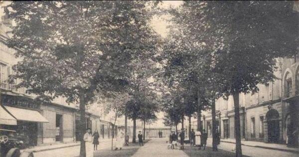 Place des Cygnes Chartres